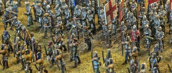 Miniature model of King Henry V encouraging his English army to victory