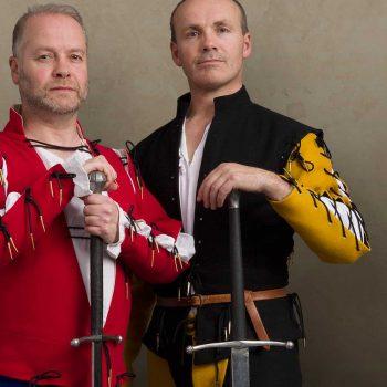Combat: two-handed sword fighting 1400s