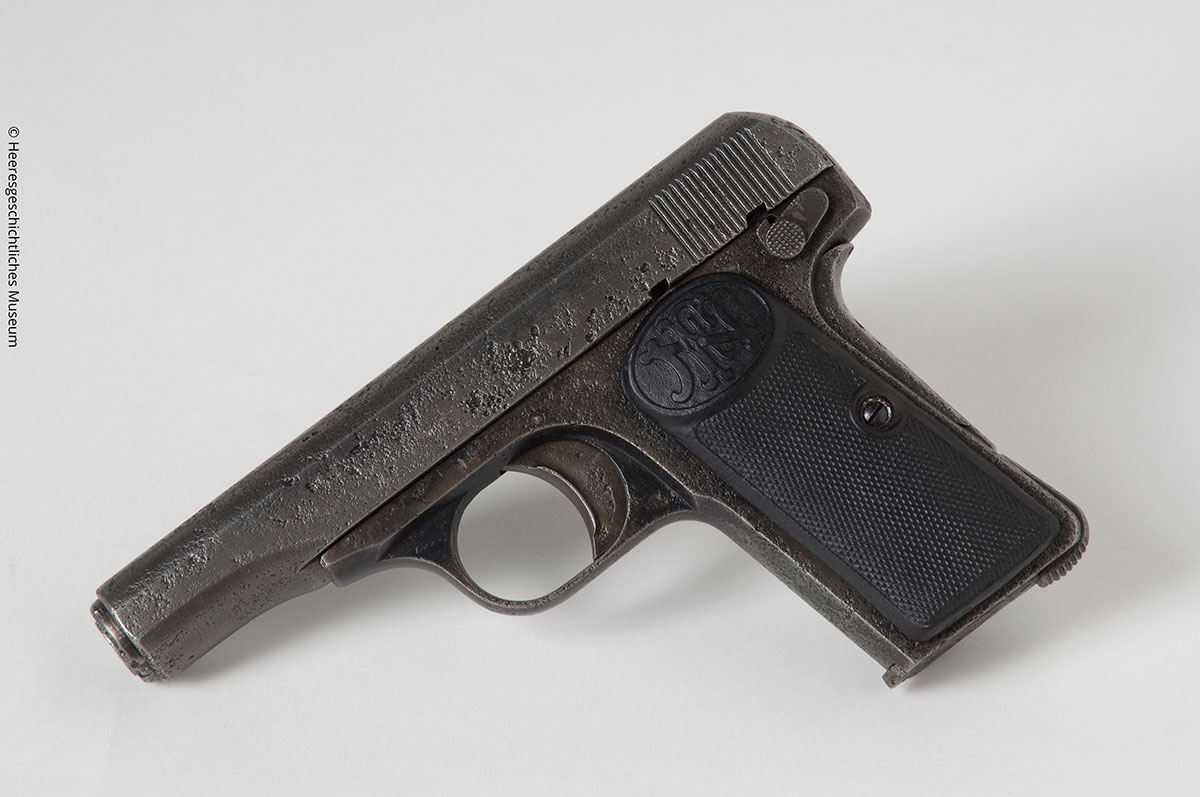 Browning model 1910 | Royal Armouries