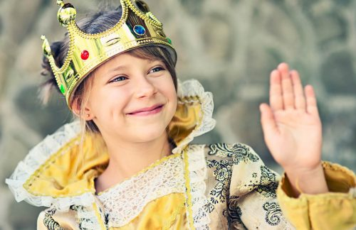 girl dressed as a queen
