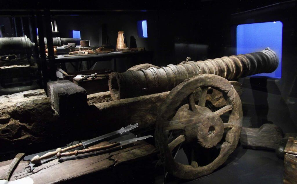 Cannon on a wooden carriage © Mary Rose Trust