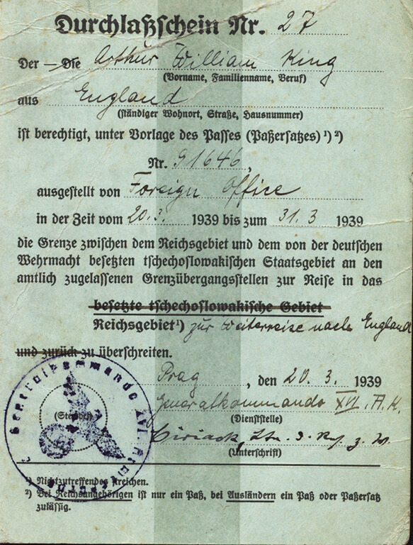 A green ID card in German from 1939