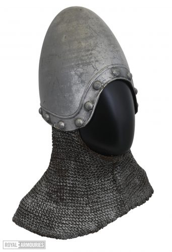 Conical shaped helmet with chain armour